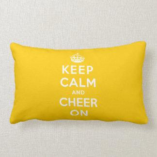 Guarde la calma y anímela encendido almohadas