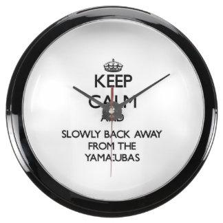 Guarde la calma y apoye lentamente lejos de Yama-u Reloj Pecera