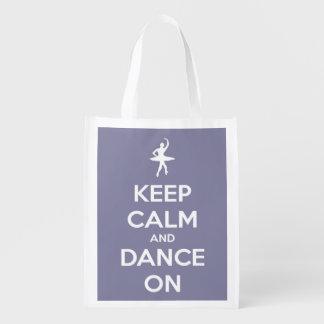 Guarde la calma y baile en el gris de la lavanda bolsa para la compra