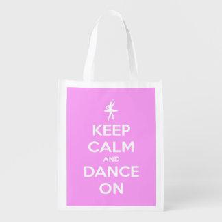 Guarde la calma y baile en el rosa personalizado bolsas de la compra