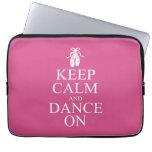 Guarde la calma y baile en rosa de los zapatos de  mangas computadora