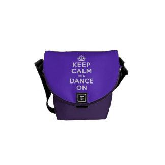 Guarde la calma y baile encendido bolsas de mensajeria