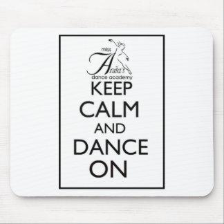 Guarde la calma y baile encendido alfombrillas de ratones