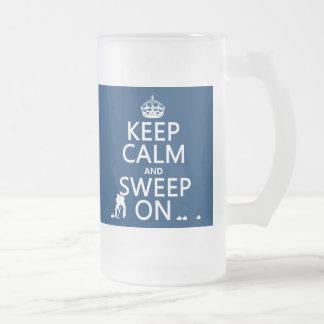 Guarde la calma y bárrala en encrespándose cual taza de café