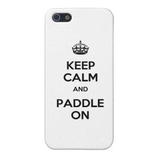 Guarde la calma y bátase encendido iPhone 5 carcasas