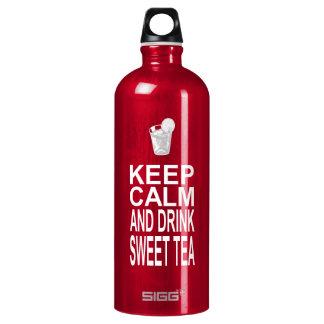 Guarde la calma y beba el té dulce
