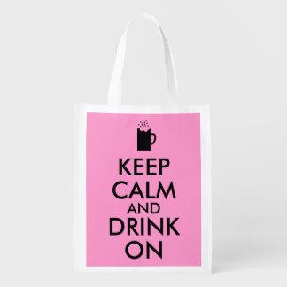 Guarde la calma y beba en amantes de la cerveza de bolsas reutilizables