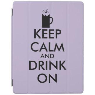 Guarde la calma y beba en amantes de la cerveza de cubierta de iPad