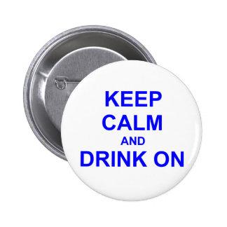 Guarde la calma y beba en gris azul negro pins
