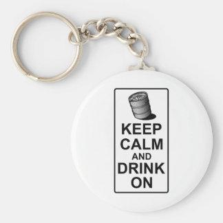 Guarde la calma y beba encendido - la parodia brit llavero redondo tipo pin