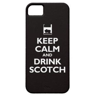 Guarde la calma y beba escocés (el negro) iPhone 5 carcasa