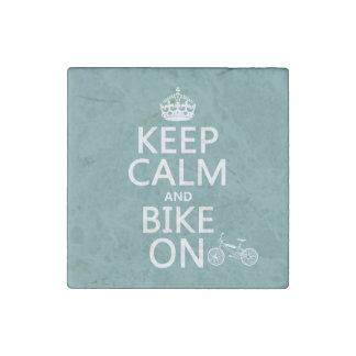 Guarde la calma y Bike en (cualquier color) Imán De Piedra