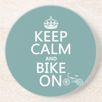 Guarde la calma y Bike en (cualquier color) Posavasos Cerveza