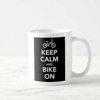 Guarde la calma y Bike en la taza