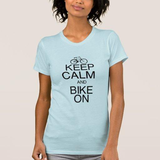 Guarde la calma y Bike encendido T-shirts