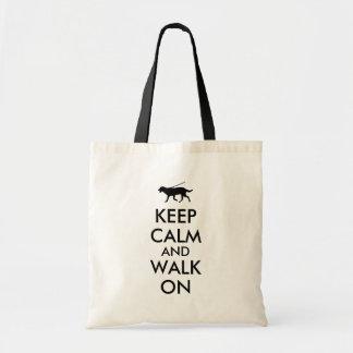 Guarde la calma y camine en el perro Labrador que Bolsa Tela Barata