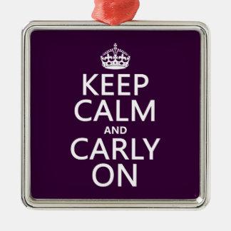 Guarde la calma y Carly en cualquier color de fon Ornamento De Reyes Magos