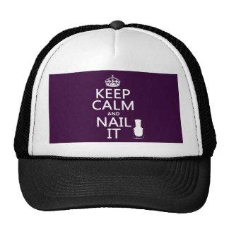 Guarde la calma y clávela (el esmalte de uñas) gorra