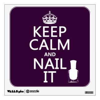Guarde la calma y clávela (el esmalte de uñas) vinilo