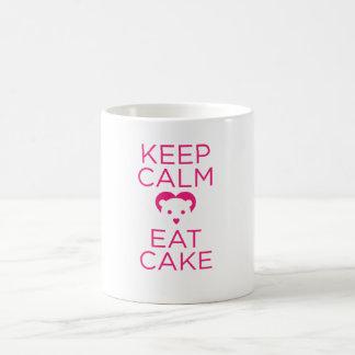 ¡Guarde la calma y coma la taza de la torta