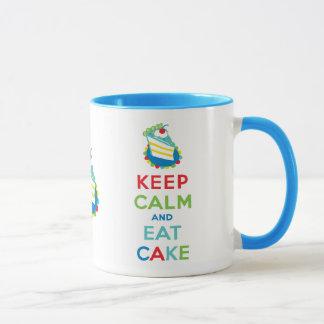 Guarde la calma y coma la torta taza
