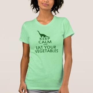 Guarde la calma y coma sus verduras camisetas