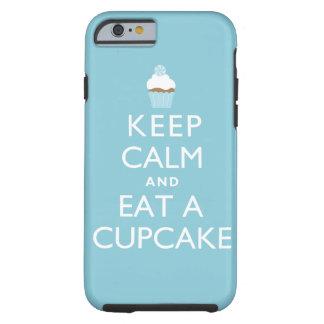 Guarde la calma y coma una magdalena {azul} funda resistente iPhone 6
