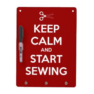 Guarde la calma y comience a coser rojo pizarras blancas de calidad