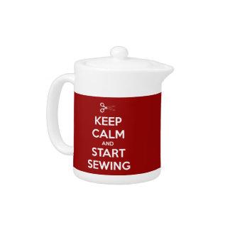 Guarde la calma y comience a coser rojo