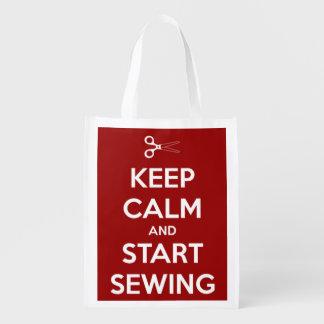 Guarde la calma y comience a coser rojo y blanco bolsa de la compra