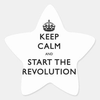 Guarde la calma y comience la revolución pegatina en forma de estrella
