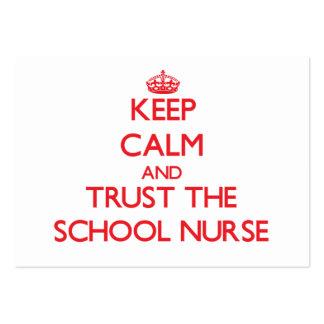 Guarde la calma y confíe en a la enfermera de la e plantilla de tarjeta personal
