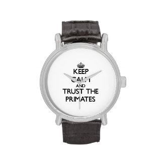 Guarde la calma y confíe en a los primates reloj