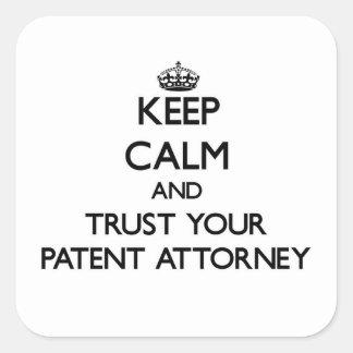 Guarde la calma y confíe en a su abogado de pegatinas cuadradases personalizadas