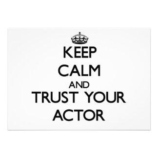 Guarde la calma y confíe en a su actor invitaciones personalizada