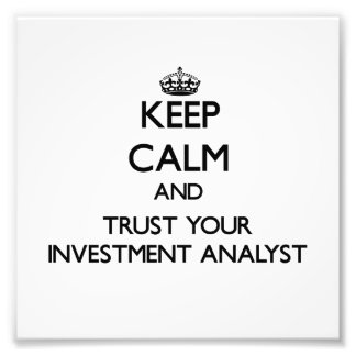 Guarde la calma y confíe en a su analista de inver
