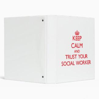 Guarde la calma y confíe en a su asistente social
