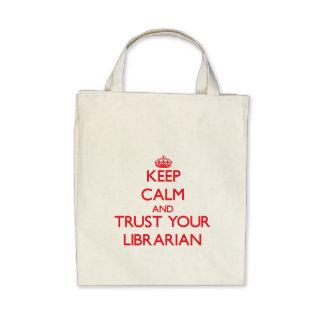 Guarde la calma y confíe en a su bibliotecario bolsa