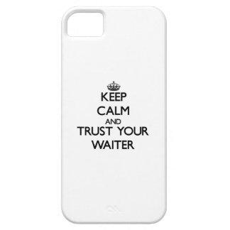 Guarde la calma y confíe en a su camarero iPhone 5 Case-Mate protectores