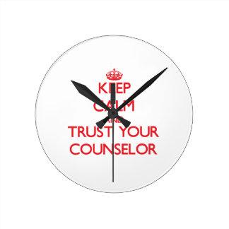 Guarde la calma y confíe en a su consejero