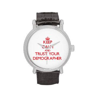 Guarde la calma y confíe en a su demógrafo reloj de mano