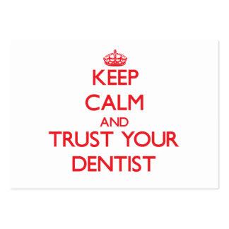 Guarde la calma y confíe en a su dentista tarjetas de visita grandes
