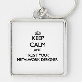 Guarde la calma y confíe en a su diseñador de la llavero cuadrado plateado