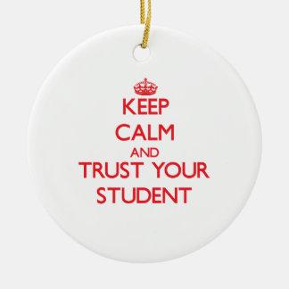 Guarde la calma y confíe en a su estudiante ornamentos de reyes magos