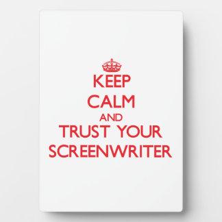 Guarde la calma y confíe en a su guionista