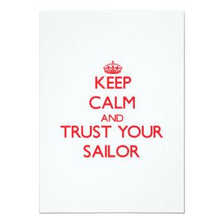 """Guarde la calma y confíe en a su marinero invitación 5"""" x 7"""""""