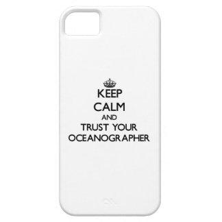 Guarde la calma y confíe en a su oceanógrafo iPhone 5 Case-Mate funda