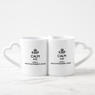 Guarde la calma y confíe en a su oficial de la ges tazas para parejas