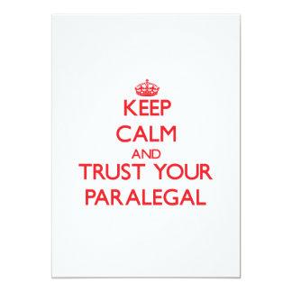 """Guarde la calma y confíe en a su Paralegal Invitación 5"""" X 7"""""""