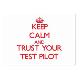 Guarde la calma y confíe en a su piloto de prueba tarjeta personal